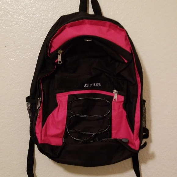 Everest Handbags - Everest back pack nwot
